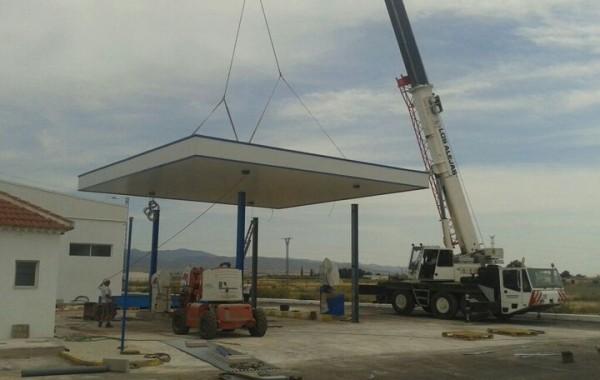 Montaje de gasolinera